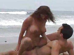 دختر به آرامی سایتهای سکسی فارسی مقعر و شاشیدن در حالی که
