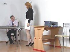 یک همسایه یک خانم بلوند فیلم پورن با زیرنویس فارسی بالغ دعوت کرده بود به بازدید از دختر بر روی صندلی
